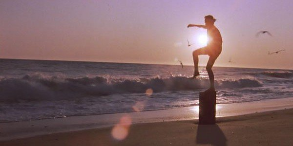 karate-kid-1984-crane-kick-daniel-beach-ralph-macchio-600x300